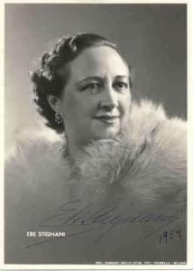 Die Mezzosopranistin Ebe Stignani auf einer Fanpostkarte von 1954.