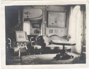 Das Wohnzimmer im hause Urspruchs/AUG