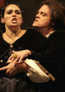 Juliana Daud in der Titelrolle neben dem Tenor Fernando Portari/Raul in der Aufführung 2005/HeiB