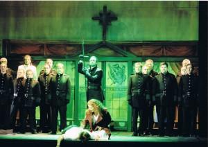 """Noch einmal eine Szene aus den Dornschen """"Nibelungen"""" in Plauen-Zwickau mit Maria Gessler, Guido Hackhausen und Michael Kunze /Theater Plauen-Zwickau/Huhn"""