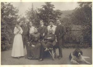 Familie von Schuch in ihrem Garten in der Lößnitz, um 1910; Privatbesitz, Saarbrücken /Foto Stadtmuseum Dresden