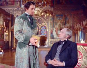 König Ludwig II. (Gerhard Riedmann) steht vor seinem Meister Richard Wagner (Alan Badel)