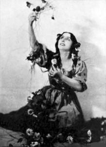 """Dinorah"": Amelita Galli-Curci als Dinorah (im Victrola Book of Operas, 1919)/OBA"