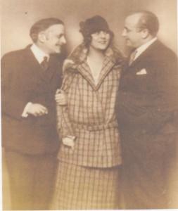 Bruno Granichsteadten mit Betty Fischer und Dirigent Ernst Marischka/HafG