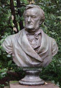 Richard Wagner ist noch immer allgegenwärtig - als Büste im Park - Foto: Winter