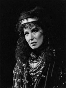 """""""Médée"""": Rosalind Plowright war auf der Bühne beim Buxton Festival 1984 sehr aufregend und sprach hervorragend die französischen Dialoge, eine sehr bemerkenswerte Verkörperung/rosalindplowright.com"""