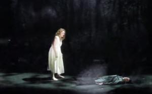 "Maria Magdalena Hoifmann in Schönbergs ""Erwartung"" in Wien/Foto youtube"