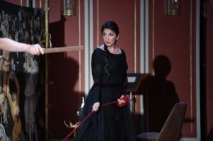 Karine Babajanyan: als Ariadne   an der Deutschen Oper am Rhein 2015/ Foto: Hans Jörg Michel
