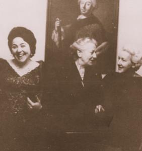 Hanne-Lore Kurse und Friedland Wagner mit Winifred Wagner in Bayreuth.- Foto: OBA