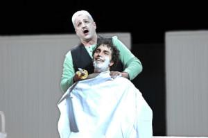 "Thomas Volle als Nureddin in Cornelius'  Oper ""Der Barbier von Bagdad""/  Landestheater Coburg/   © Andrea Kremper"