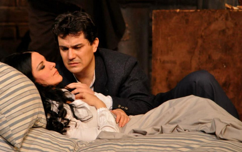 """Saimir Pirgu und Angela Gheorghiu in """"La Bohème""""/ Liceu Barcellona/ Foto Irina Stanescu"""