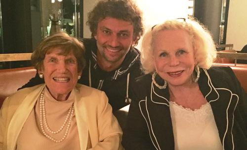 Inge Borkhs 95. Geburtstag in München mit Yvonne Kalman und Thomas Voigt/ Foto Voigt mit Dank