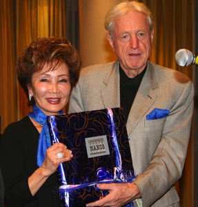 Viele Preise: Takako Nishizaki und Klaus Heymann/ ©Emily Chu/ Naxos