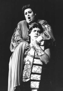 Françoise Pollet (Cassandre) et Thomas Hampson (Chorèbe) dans Les Troyens dirigés par James Levine par en 1993/ Pollet/ tutti-magazine.fr