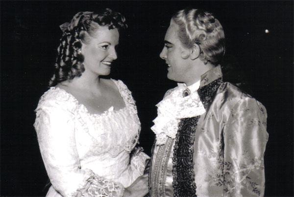 """Anna De Cavalieri als Maddalena neben Mario Del Monaco/ """"Andrea Chénier""""/ operaclick"""