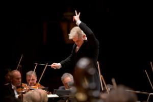 Dan Ettinger ©Stuttgarter Philharmoniker-Niedermüller