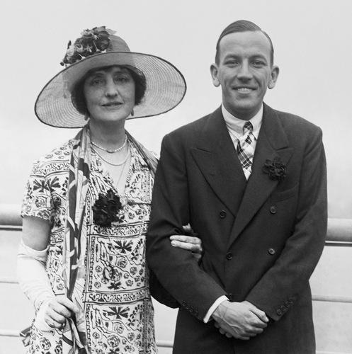 Noel Coward undf die Schauspielerin Lillian Braithwhite in den späten 1940ern/ The redlist.com