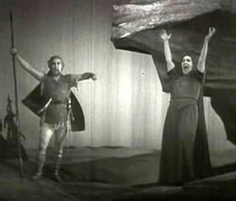 Frida Leider als Brünnhilde und Max Lorenz als Siegfried in der Bayreuther Götterdämmerung von 1934. Der Screenshot stammt aus einem Filmdokument mit Tonspur, das im Buch nicht erwähnt wird.