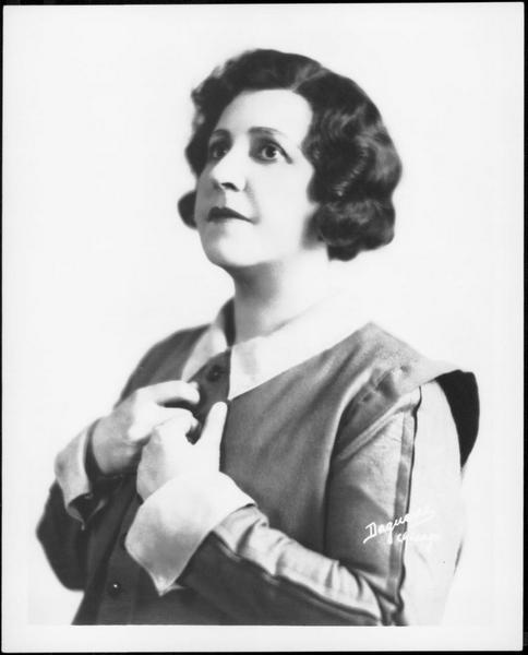 """""""Abscheulicher, wo eilst du hin?"""" Frida Leider als Leonore in Beethovens Fidelio. Die Arie hat sie auch aufgenommen. Das Foto gehört zur Porträtsammlung Manskopf."""